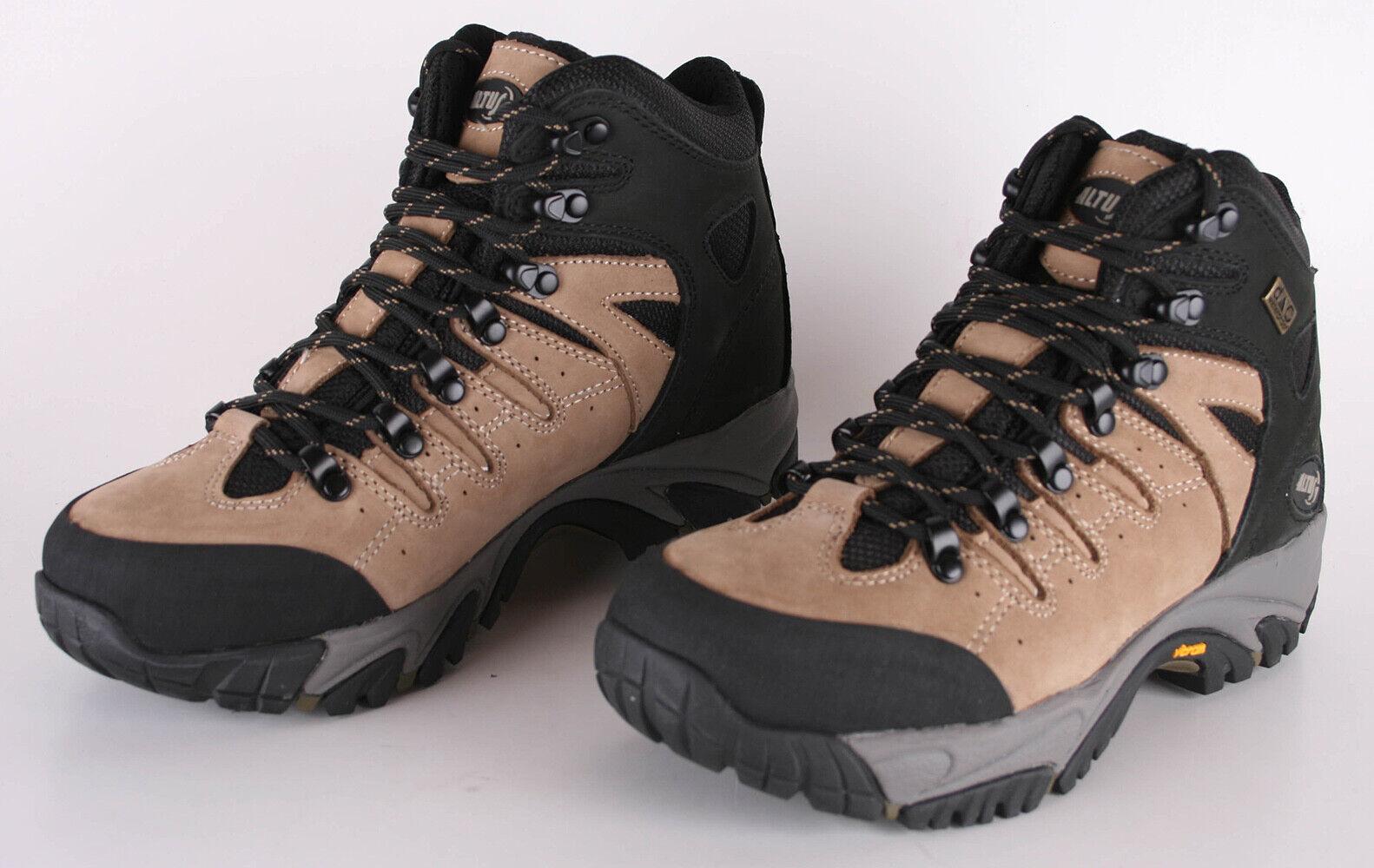 Altus de Sanabria Trekking Boots 38 color Khaki