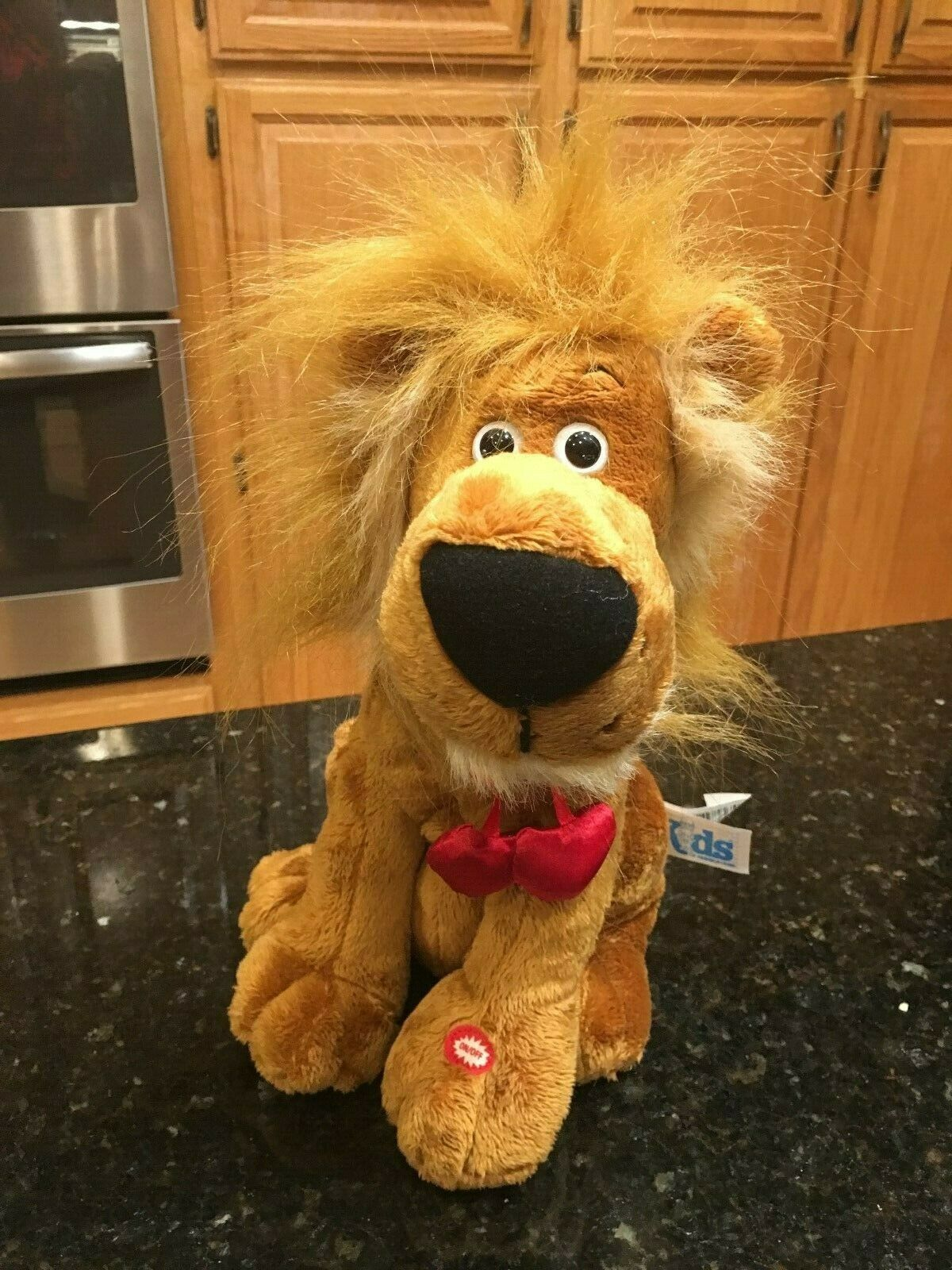 KIDS Animated LION sleeps tonight plush SINGING IN THE JUNGLE MOUTH & HEAD MOVES