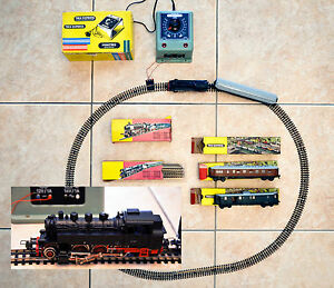 Locomotive-Trix-Express-2203-3-wagons-alim-12-14-220V-circuit-complet