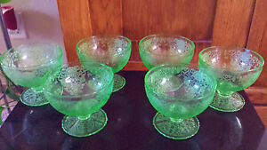 Set-Lot-6-Uranium-Vaseline-Depression-Glasses-ORNATE-Punch-Delicate-Glass-RARE