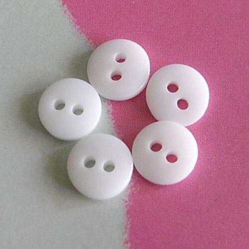 30 Mini Petites Mircro petit Doll Clothing Wear minuscule Figure Sew Sur Les Boutons 7 mm 11 L