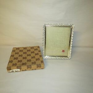 VINTAGE QUALITY PHOTO FRAMES BY HEIRLOOM NO. 841 8 X 10 GOLD WHITE METAL FRAME
