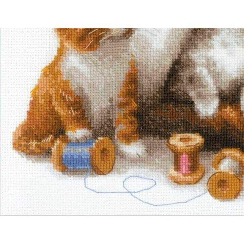 RIOLIS 1811  Cat with Kittens  Counted cross stitch kit  Aida 14 count