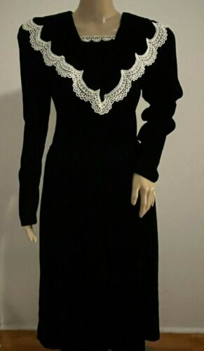 Vintage JESSICA MCCLINTOCK GUNNE SAX black velvet