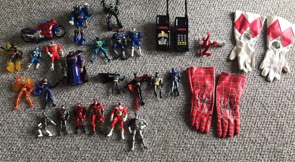 Los 26 von batman spider - man - power rangers actionfiguren.