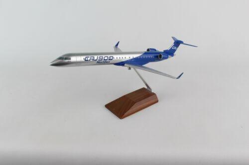SKR423-1 SKYMARKS BOMBARDIER CRJ900 1//100 W//WOOD STAND