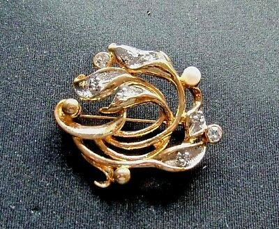 Just New Gold Coloured Brooch With Pearl Clear And Distinctive Fashion Jewelry
