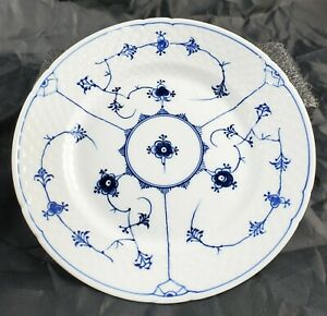 B-amp-G-Bing-amp-Grondahl-Luncheon-Plate-Blue-Traditional-20-8-5-034