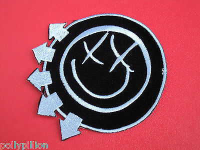 PUNK ROCK HEAVY METAL MUSIC SEW ON / IRON ON PATCH:- BLINK 182 (a) SMILEY FACE
