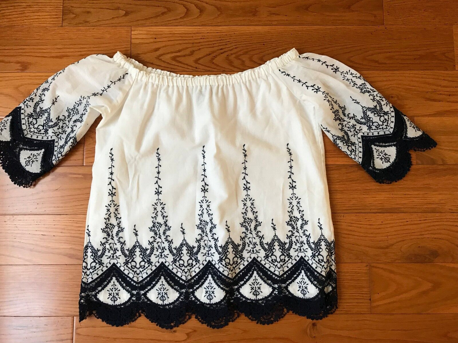 NWOT Anthropologie DREW blouse top with floral embroiderot SP fits 4-6 S USA