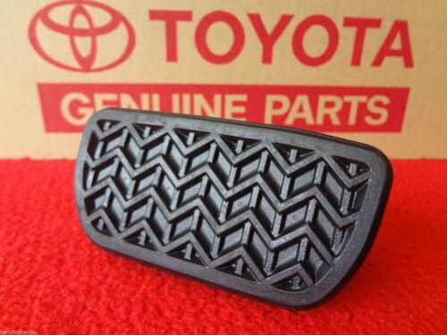 Toyota Prius C Genuine OEM Automatic Brake Pedal Pad 2012-2013 4712152010