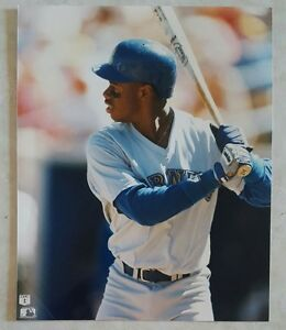 KEN-GRIFFEY-JR-SEATTLE-MARINERS-8-X-10-PHOTO-GLOSSY-LICENSED-PHOTO-A