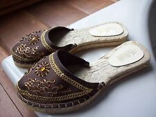 Womens shoes Wilsons Leather Slip On Sparkle Beaded Sequin Brown Gold Yellow 7.5