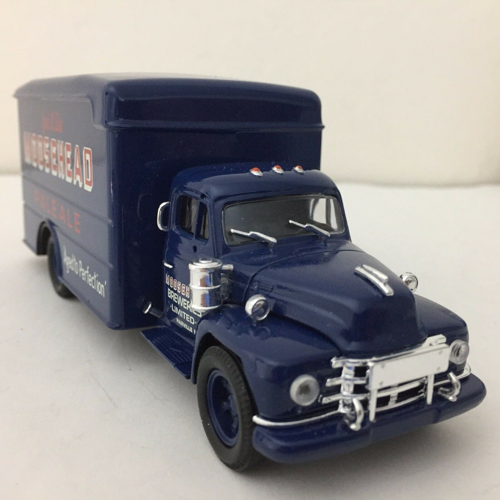 Corgi US52905 Diamond T620 Box Van - Moosehead 1 50   VERY RARE      SALE