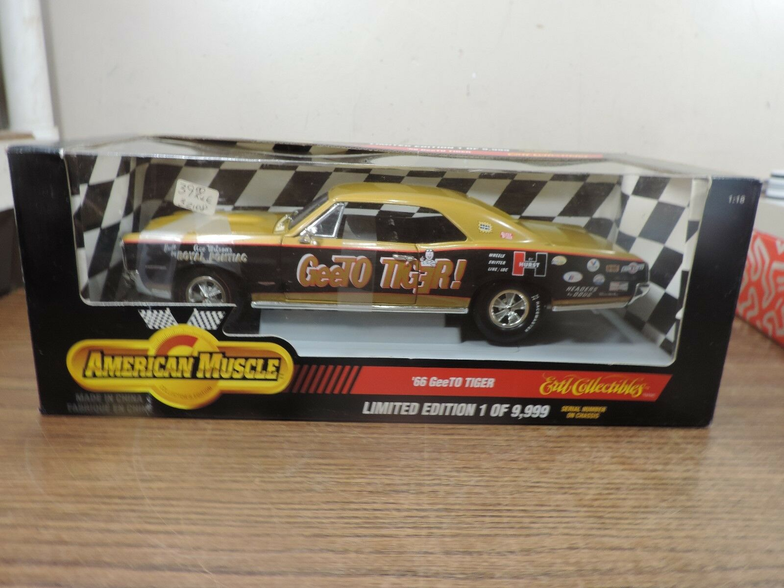 ERTL 1966 Pontiac GeeTO Tiger gold American Muscle 1 18 Diecast