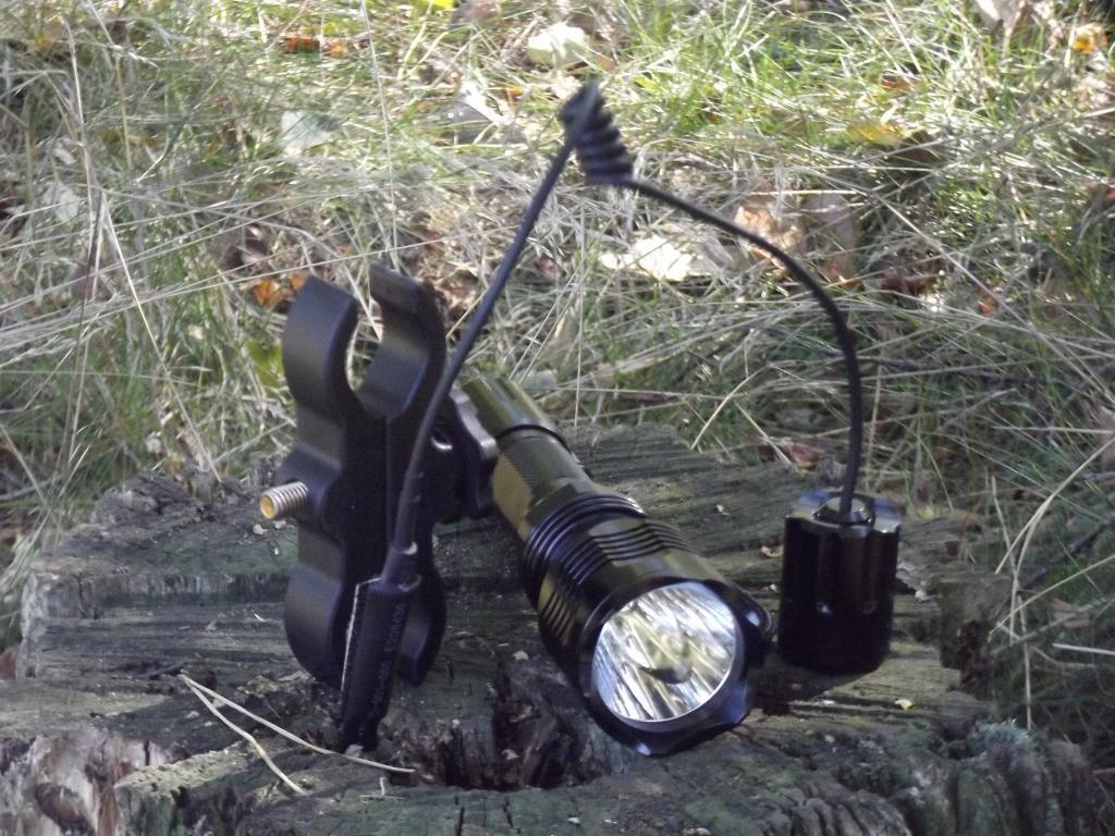 LED Jagd taschen Lampe Lampe Lampe 260 Lumen mit Grünlicht Inkl Uni. Montage & Kabelschalter 69ec8c
