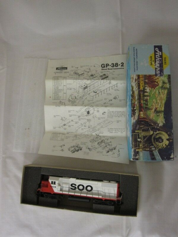 Athearn gp38-2 soo line   4434 originalkarton und papiere