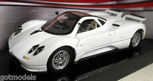 Motormax-1-24-Scale-73272-Pagani-Zonda-C12-White-Diecast-model-car
