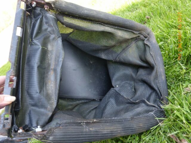 NOS Cub Cadet Bagger Grass Catcher Bag and Frame 964-0251 764-0251 17201A-0637