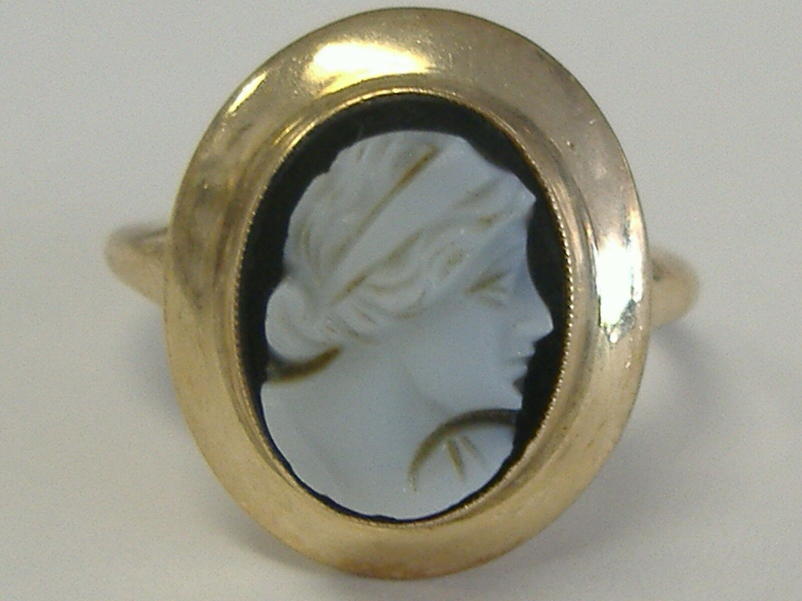 VINTAGE   10 K  CAMEO RING  5,75 SIZE