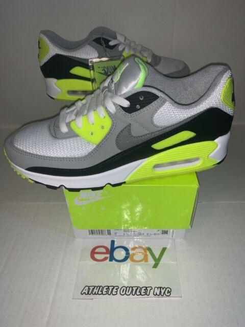 Nike Air Max 90 Essential Running Shoe