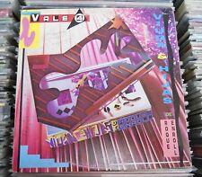 VIUDA E HIJAS DE ROQUE ENROLL VALE 4 ARGENTINE LP WOC ROCK ARGENTINO
