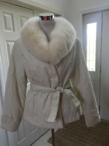 NWT-Adore-Farmstead-Ivory-Quilted-Real-Fox-Fur-Collar-Belt-Beaded-Detail-XL-Vtg