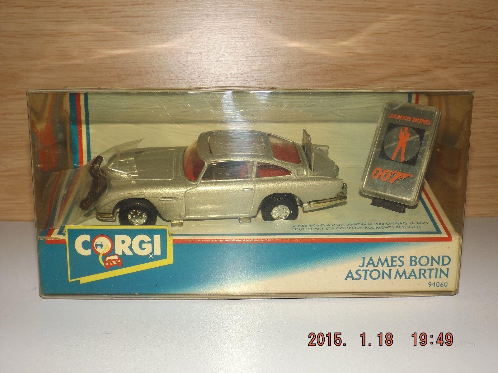 JAMES BOND ASTON MARTIN  DB5 - CORGI MODEL ( 94060 )