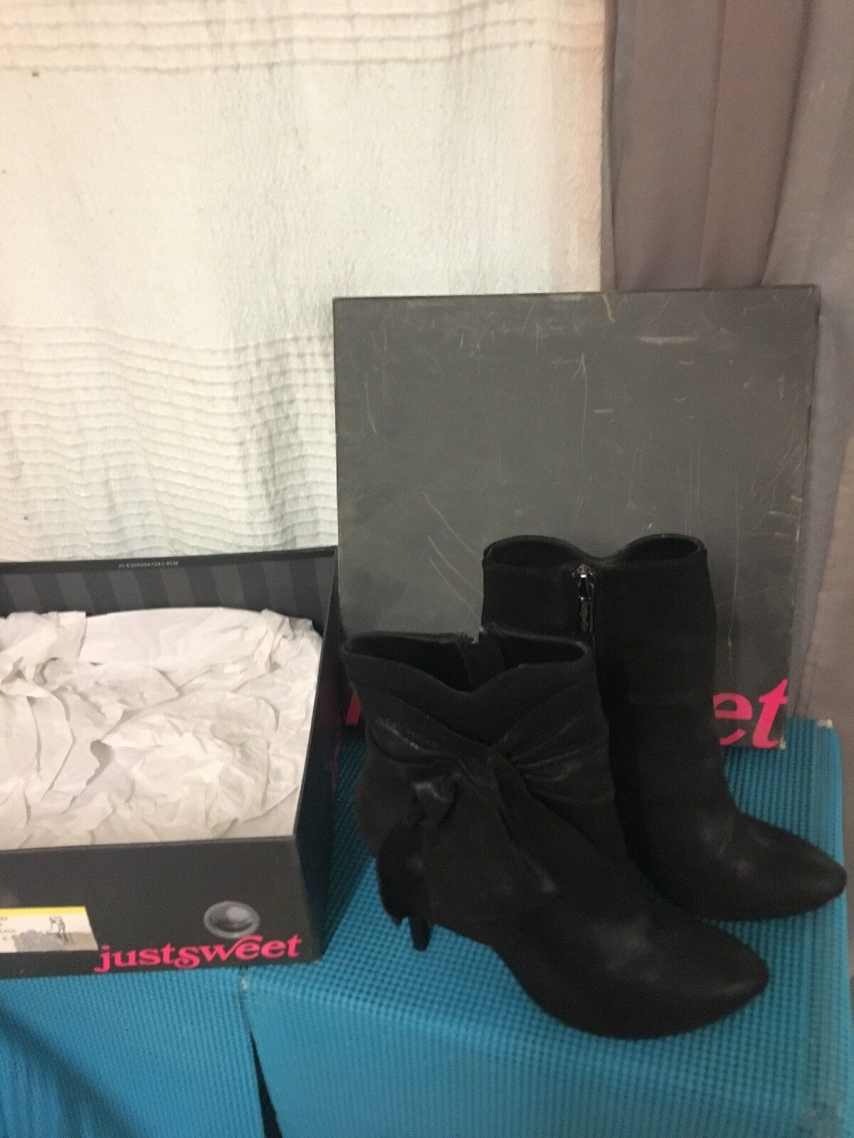Jennifer Lopez JLO Just Sweet Justsweet black boots shoes size US 6 new in box