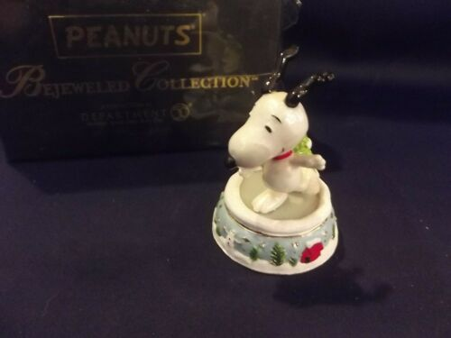 New Dept 56 Peanuts Snoopy Skating Pond Jeweled Box