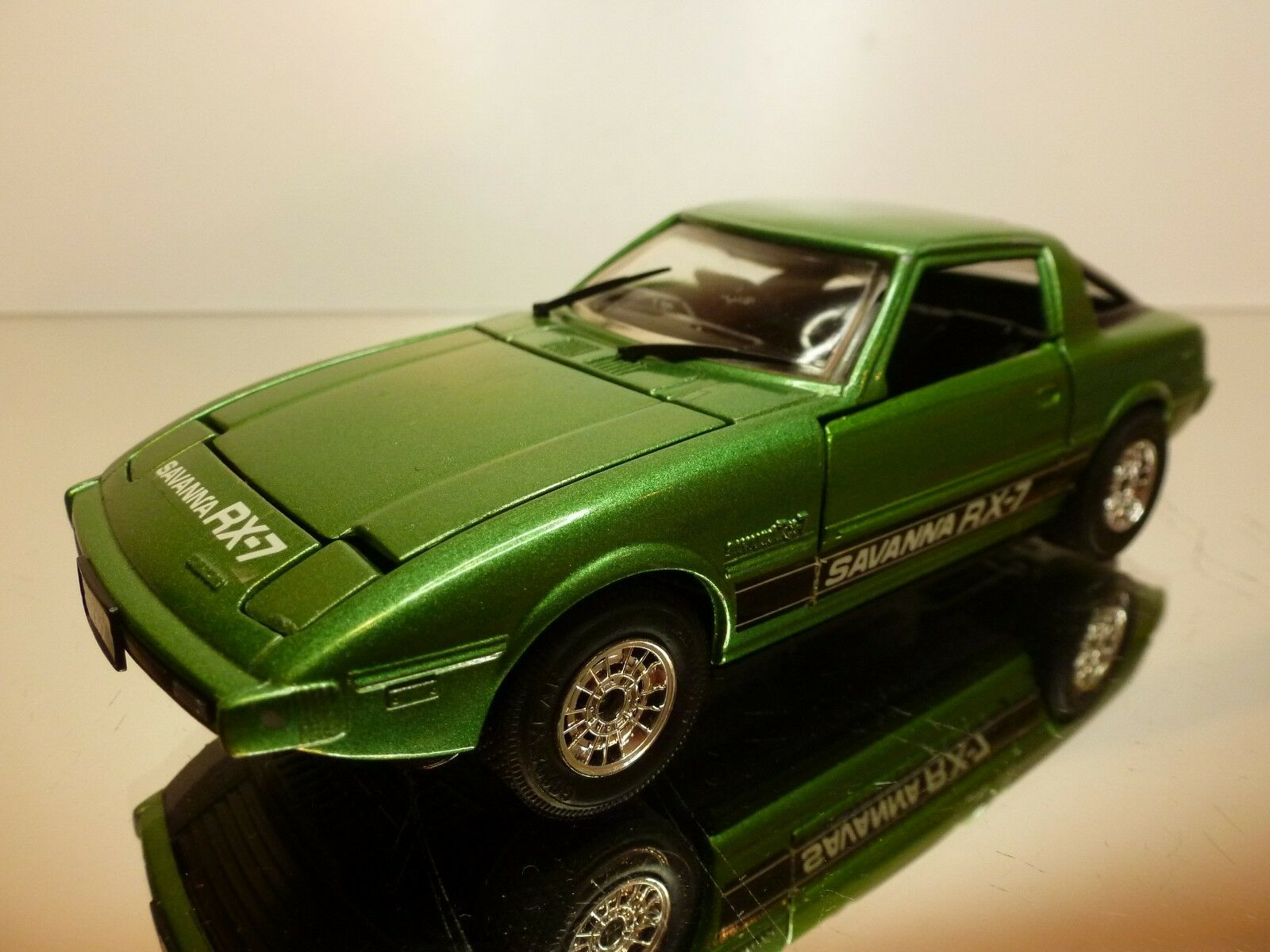 EIDAI GRIP MAZDA SAVANNA RX7 RX-7 - RHD - vert METALLIC 1 28 RARE - VERY GOOD