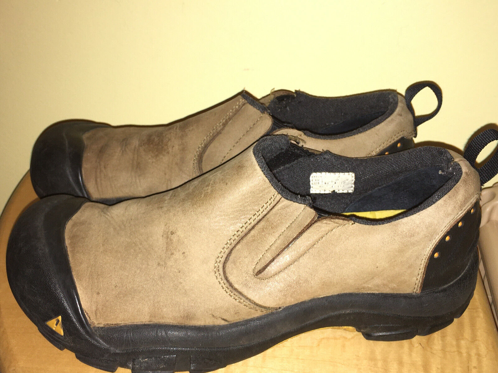 KEENS (Leather/Tan) Loafers-MEN'S Size 9