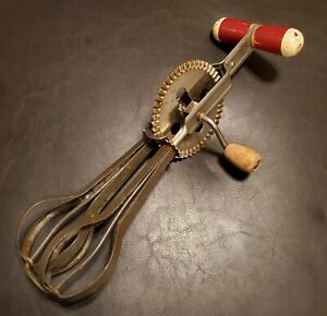 Antique-Vtg-Red-Handle-Mixer-Egg-Beater-A-amp-J-US-America-Kitchenware-1930s-Patent
