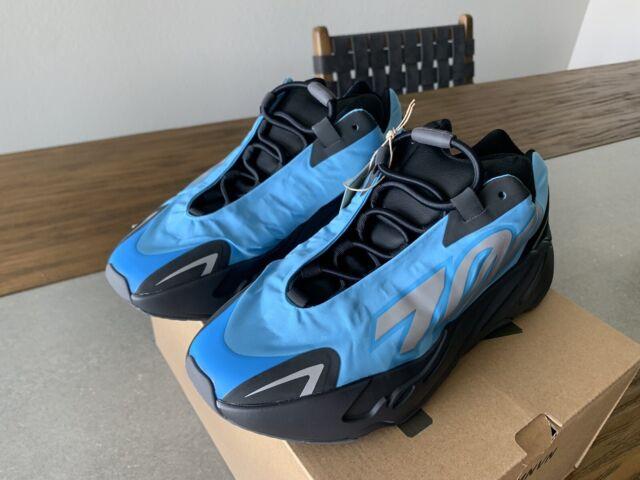 Adidas Yeezy Boost 700 MNVN   Bright Cyan   GZ3079   Size 6   Ships Free