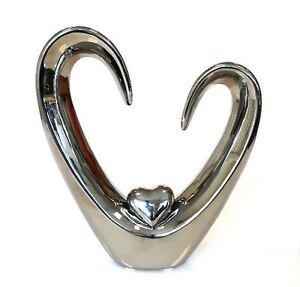 cb112-Figura-Escultura-Objeto-con-el-corazon-hecho-de-ceramica-plata-altura-24cm