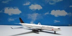 Air Canada 2017 Livery A330-300 1:200 C-GFAF Die-cast Airplane Model