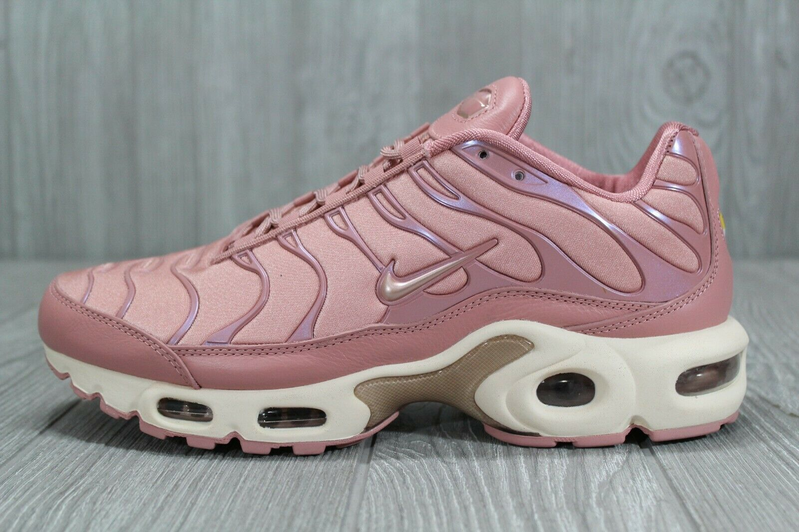 39 Nike Air Max Plus TN Rust Pink Women's Running shoes Size 6.5, 9 AT5695 600