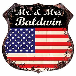BPLU0361-America-Flag-MR-amp-MRS-BALDWIN-Family-Name-Sign-Decor-Wedding-Gift