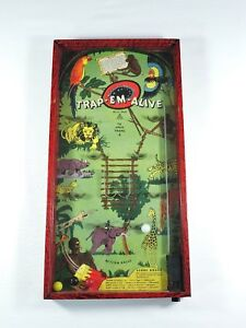 GOTHAM-Trap-Em-Alive-bagatelle-pinball-Game-vintage-metal-amp-glass-jungle-circus