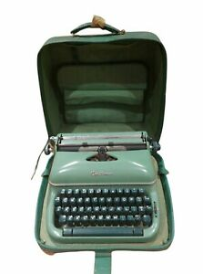 Vtg Optima Typewriter Green Portable Made/Germany With Case READ DESCRIPTION.
