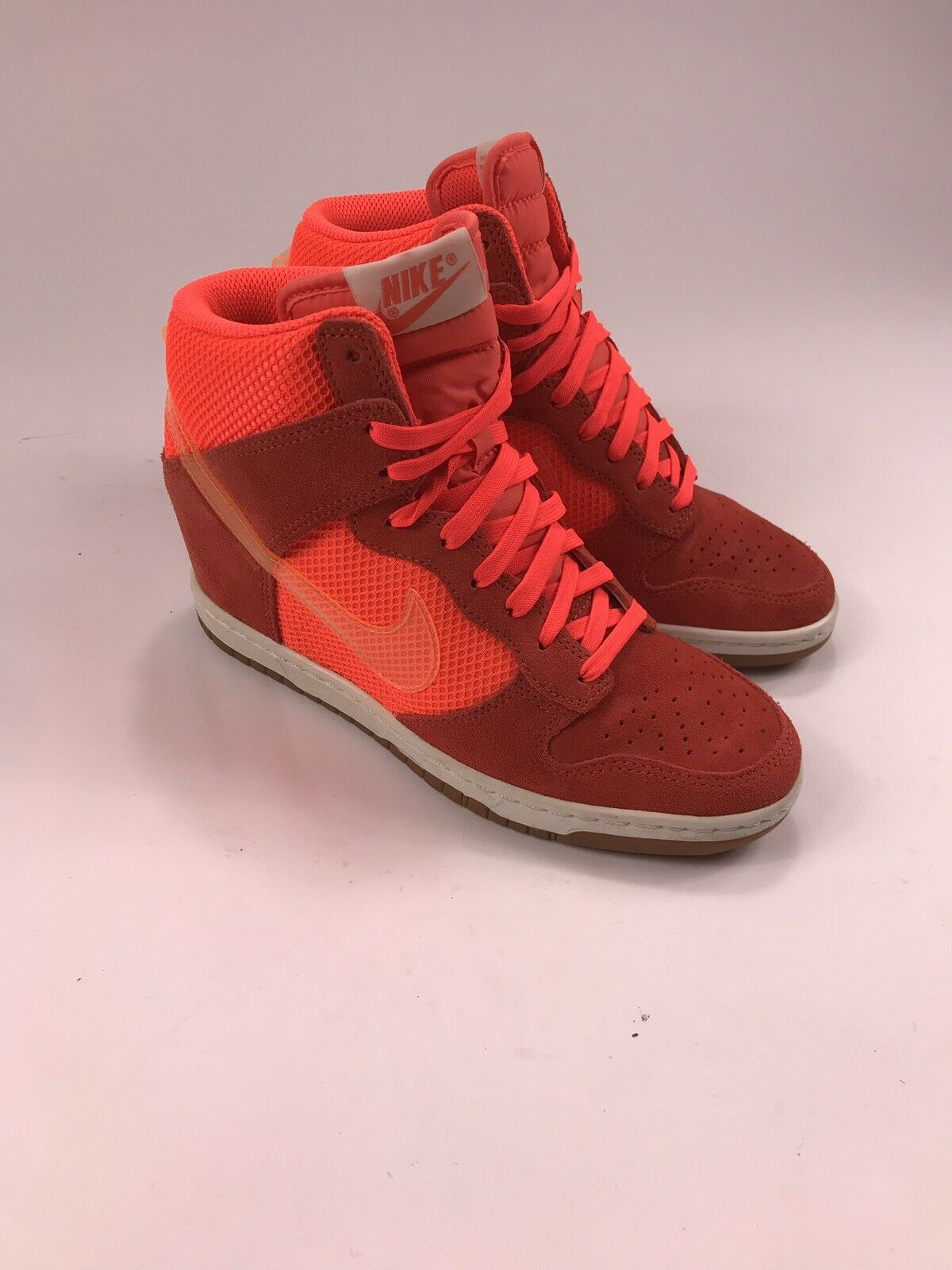 best service 806cb 3cbf5 Nike Nike Nike 579763-800 Women s Sky Hi Mesh Total Crimson Mango Sail  Wedge Sz