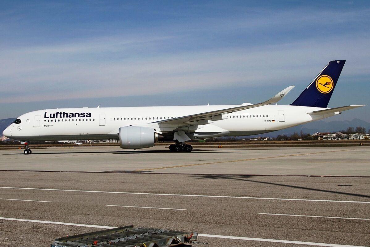 Jfox Wba350aixb 1 200 Lufthansa A350-900 D-Aixb mit Ständer