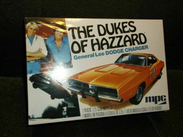 Dukes of Hazzard General Lee 1969 Dodge Charger 125 Model Kit MPC
