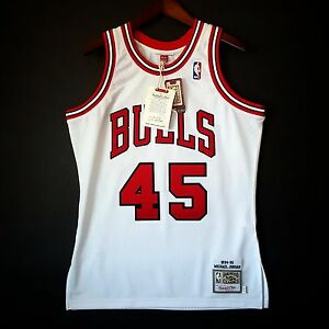 new product ea764 0375f Details about 100% Authentic Michael Jordan Mitchell Ness 94 95 #45 Bulls  Jersey Size 40 M