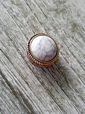 Single white Marble Brooch Magnet Hijab