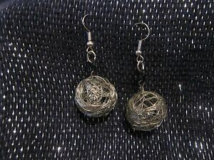 Great silver tone metal wire created spheres approx 1 ins wide earrings - Newent, United Kingdom - If you are not satisfied with your item, within 7 days of receipt I will refund the purchase price, and postage of the item to you, upon receipt of the item. Most purchases from business sellers are protected by the Consumer Contr - Newent, United Kingdom