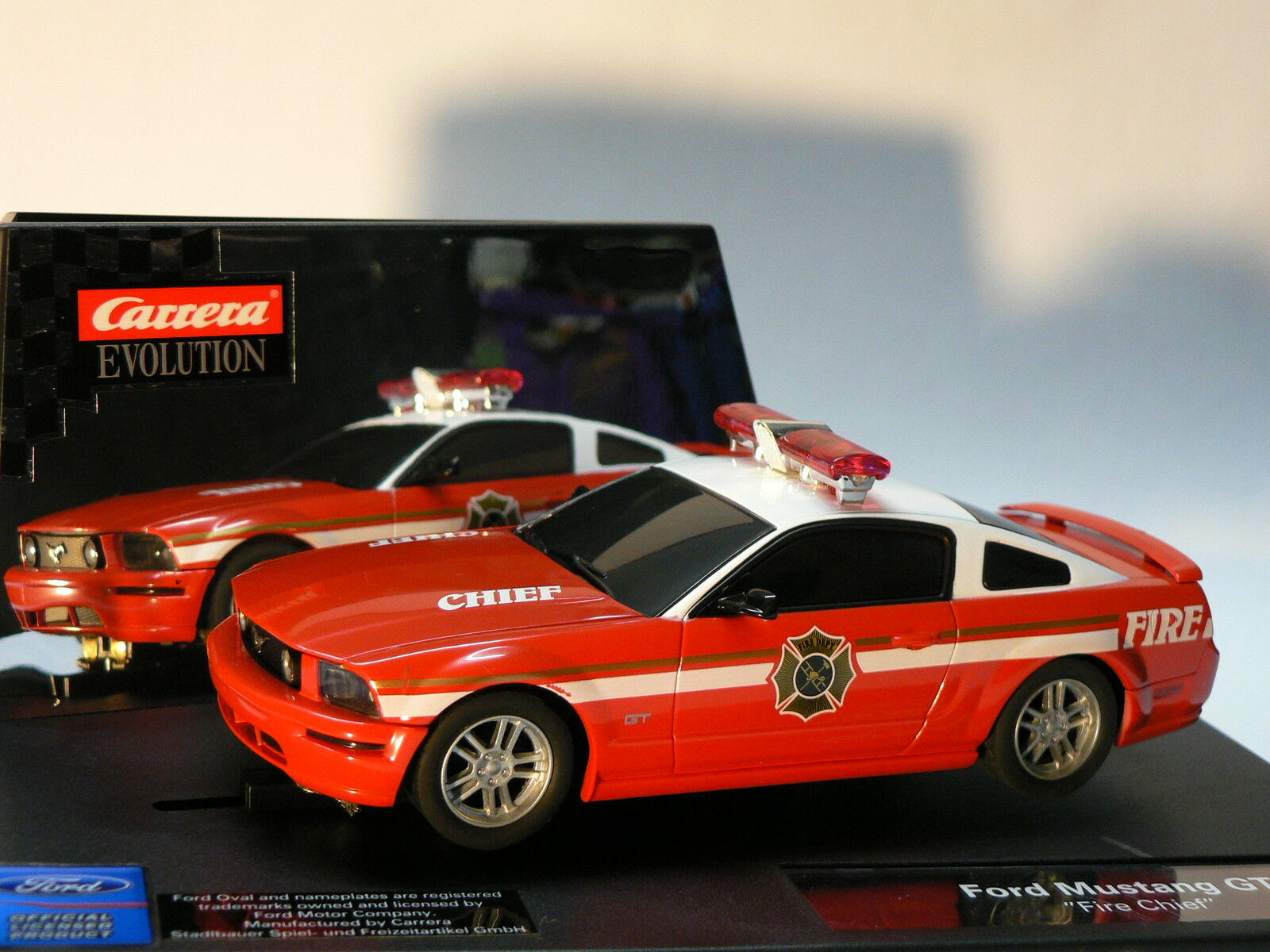 CARRERA EVOLUTION 27177 FORD MUSTANG GT Fire Jefe NUEVO