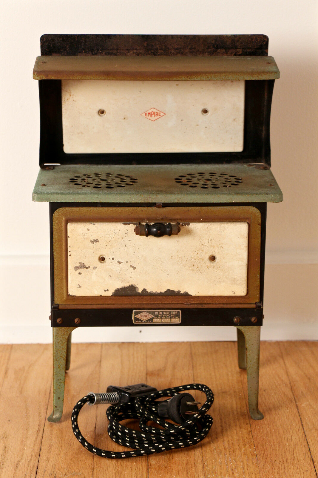 Empire Metal Ware leksak Stove Early to Midd 20th C.