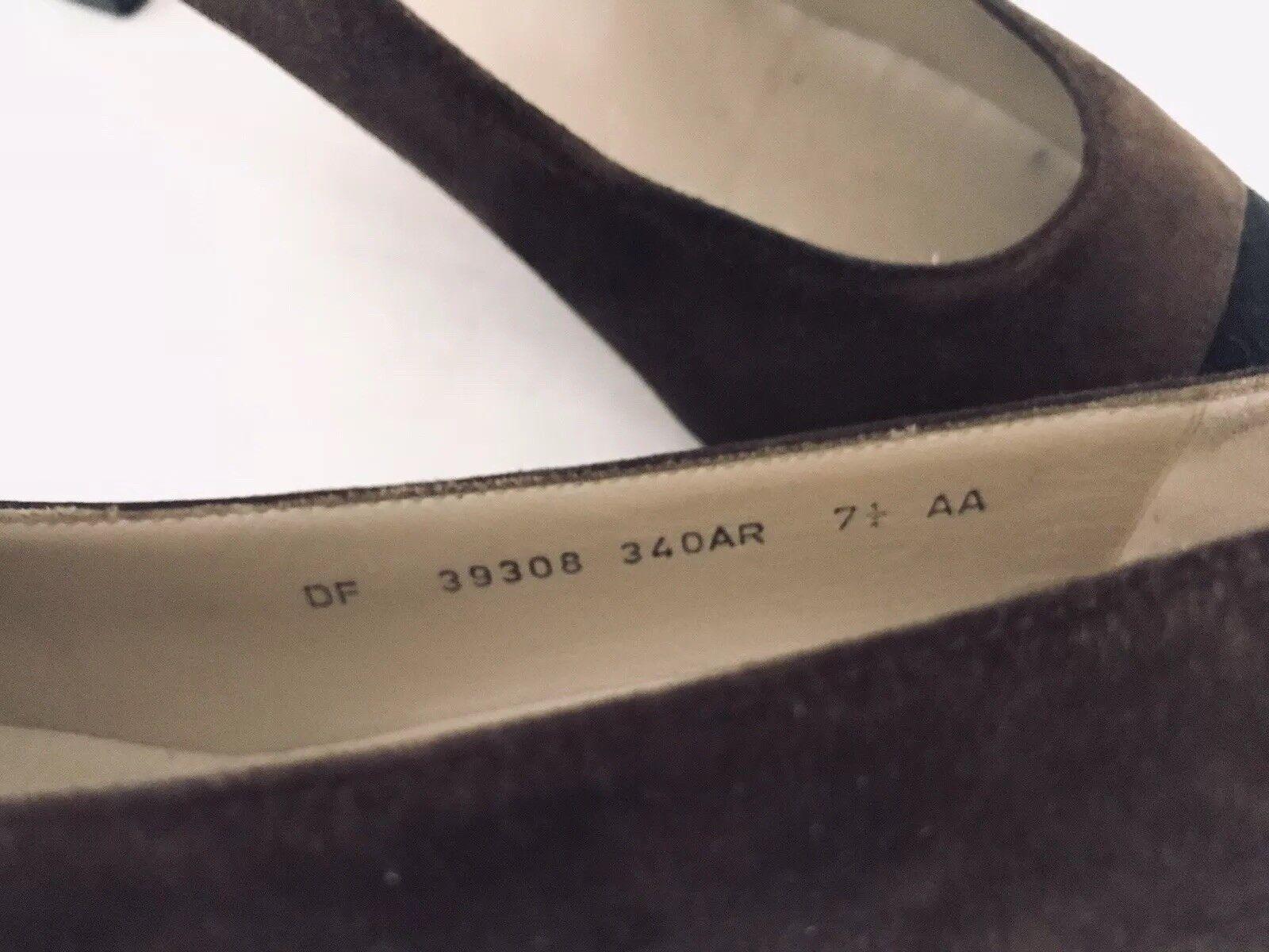 Salvatore Ferragamo Womens Cap Toe Pump Size 7.5 AA AA AA Narrow Brown Suede Kitten 767929