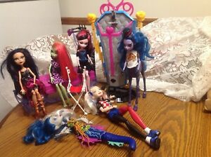 Monster-High-Dolls-with-4-accessories-lot-of-6